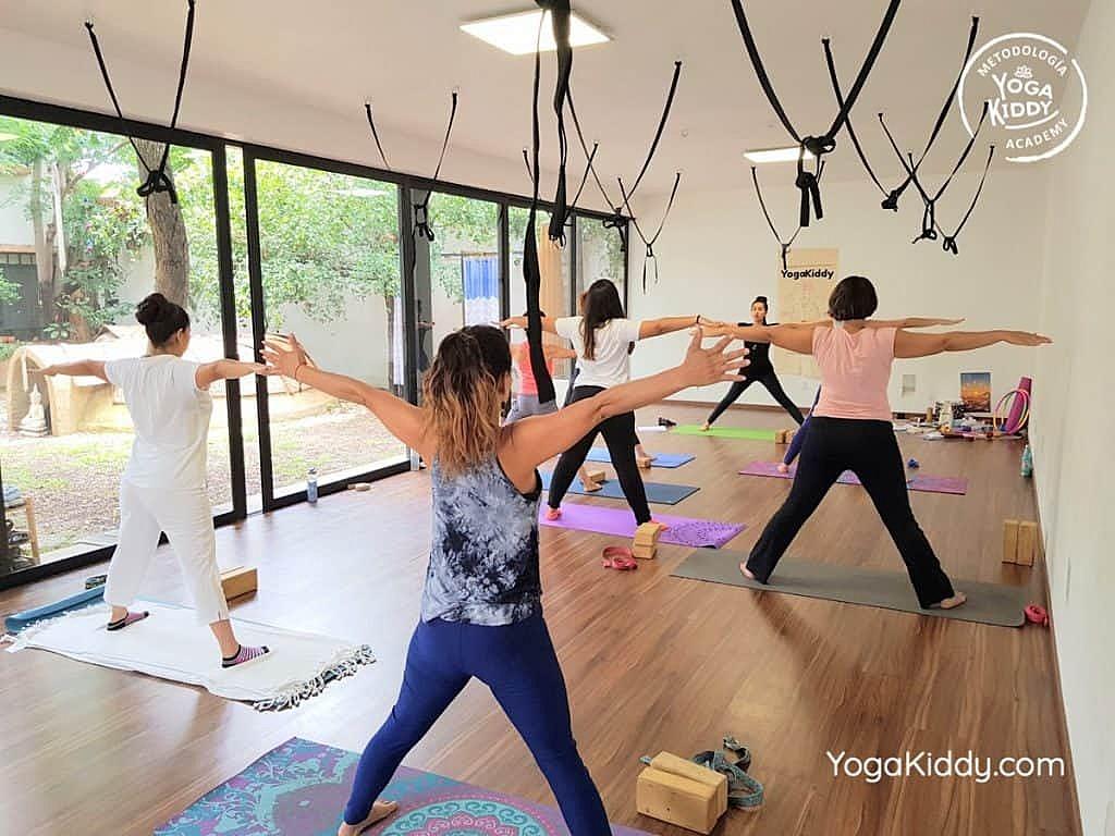 Formación-de-Yoga-para-Niños-en-Guadalajara-México-YogaKiddy-0021-1024x768