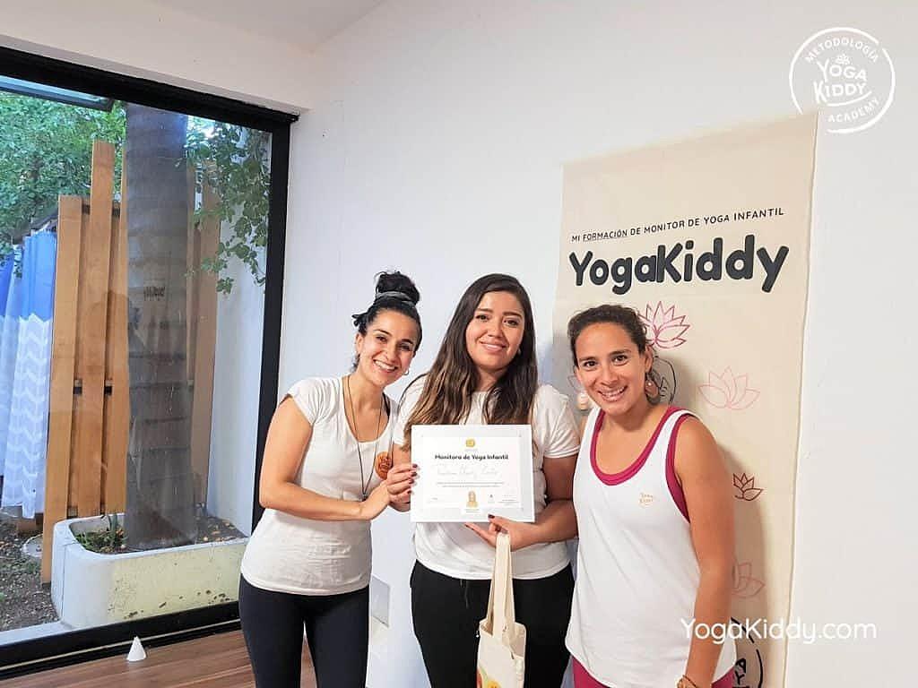 Formación-de-Yoga-para-Niños-en-Guadalajara-México-YogaKiddy-0151-1024x768