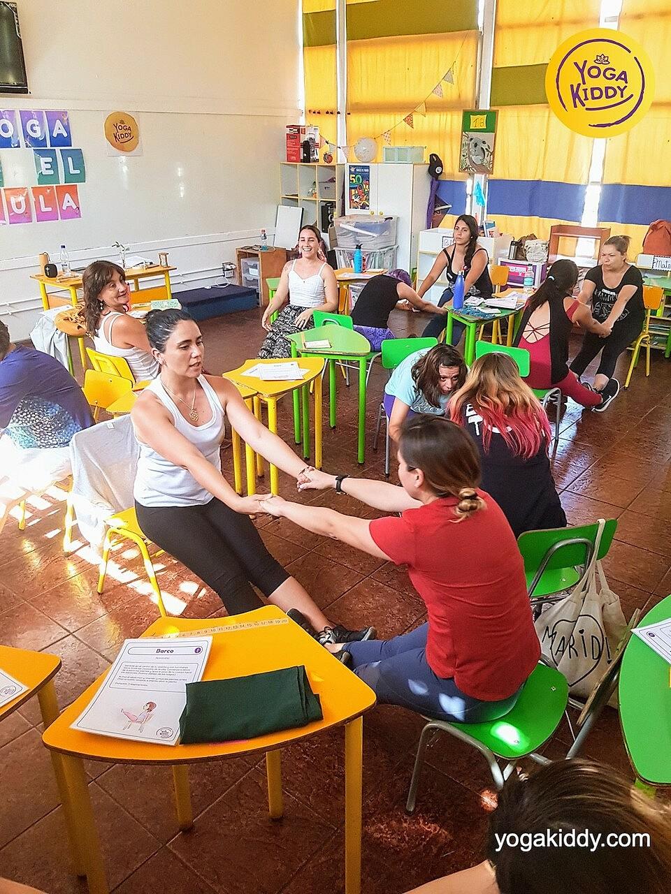 yoga en el aula sala de clase yogakiddy 0010
