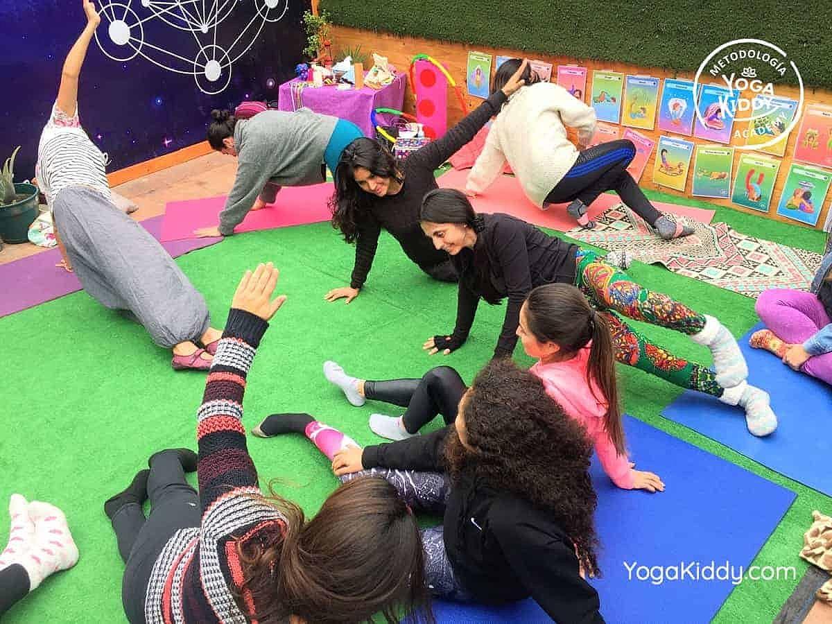 yoga-para-niños-arica-chile-formación-monitor-profesrorado-instructurado-YogaKiddy-0035