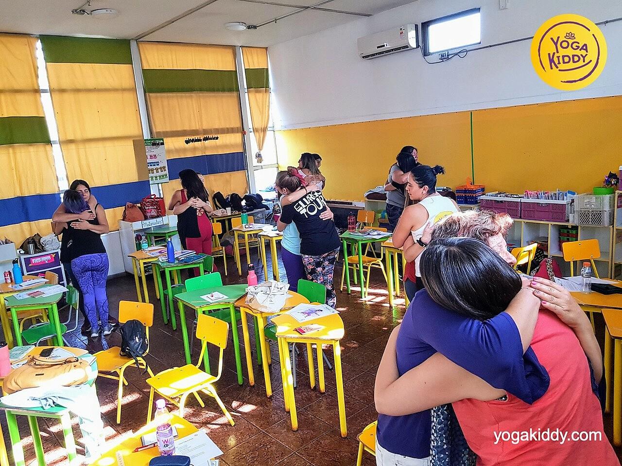 yoga en el aula sala de clase yogakiddy 0019