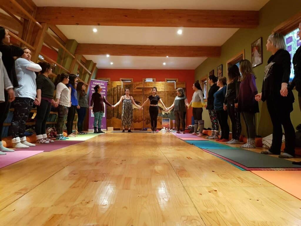 formacion-yoga-para-ninos-santiago-chile-yogashala-yogakiddy-1024x768