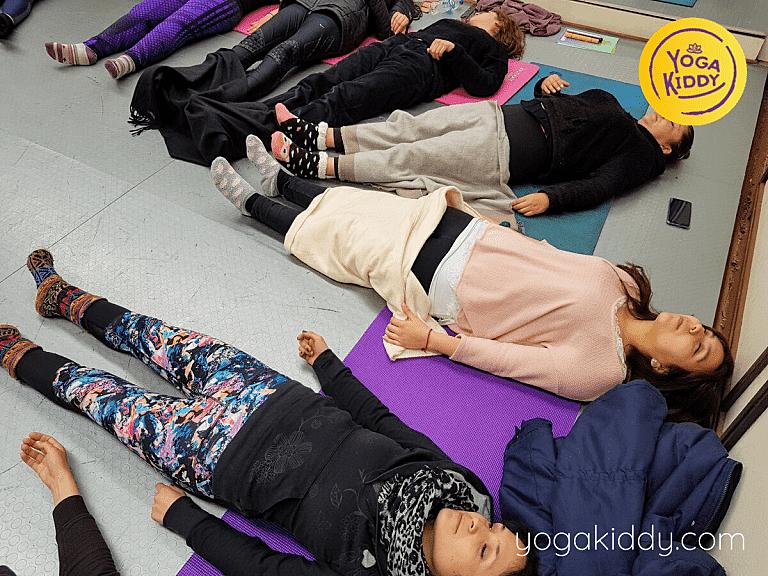 Yoga-para-niños-Viña-del-Mar-Formación-internacional-de-Monitor-de-Yoga-Infantil-11-768x576