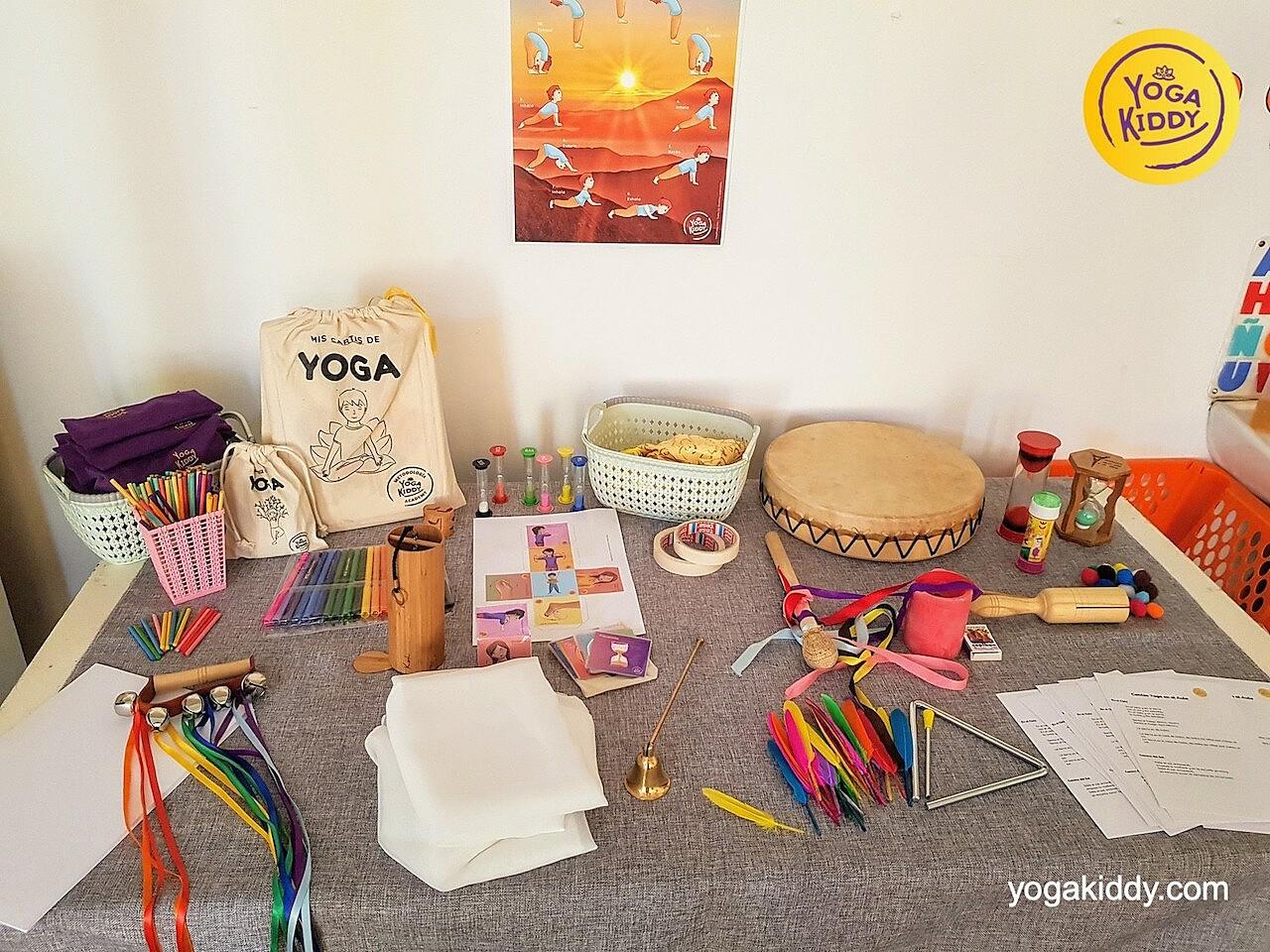 yoga en el aula sala de clase yogakiddy 0006