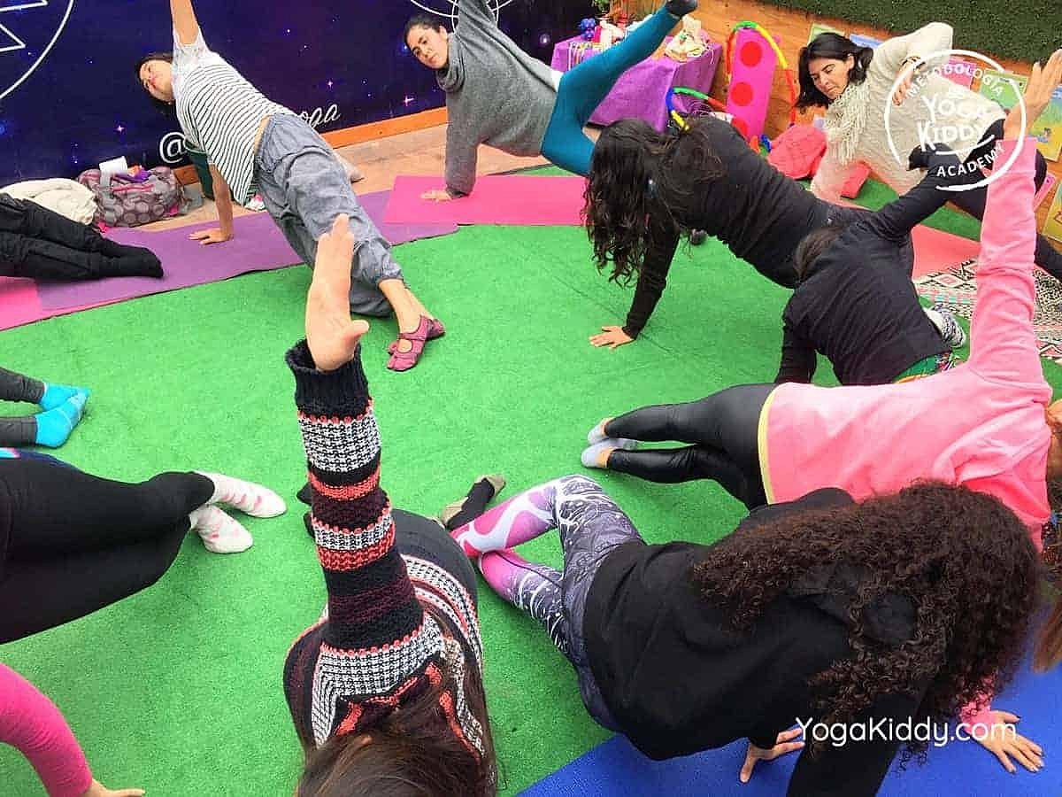 yoga-para-niños-arica-chile-formación-monitor-profesrorado-instructurado-YogaKiddy-0034