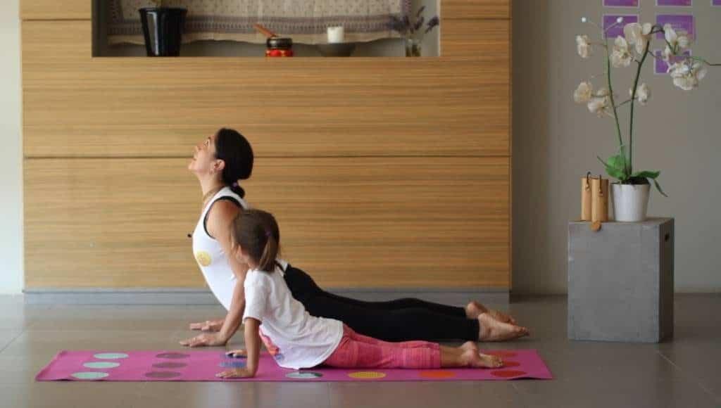 curso-de-yoga-infantil-yoga-para-ninos-en-linea-yogakiddy-4-1-1024x580