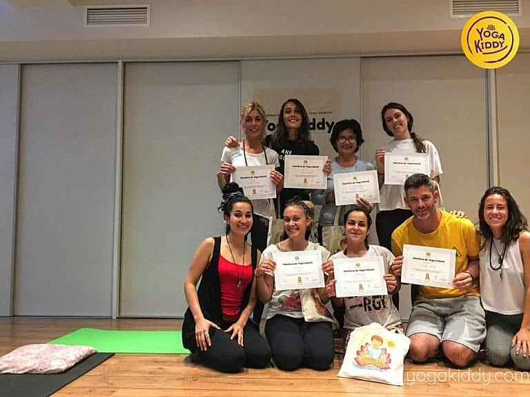 Yoga-para-niños-barcelona-españa-Formación-Internacional-de-Monitor-de-Yoga-Infantil-4-768x575