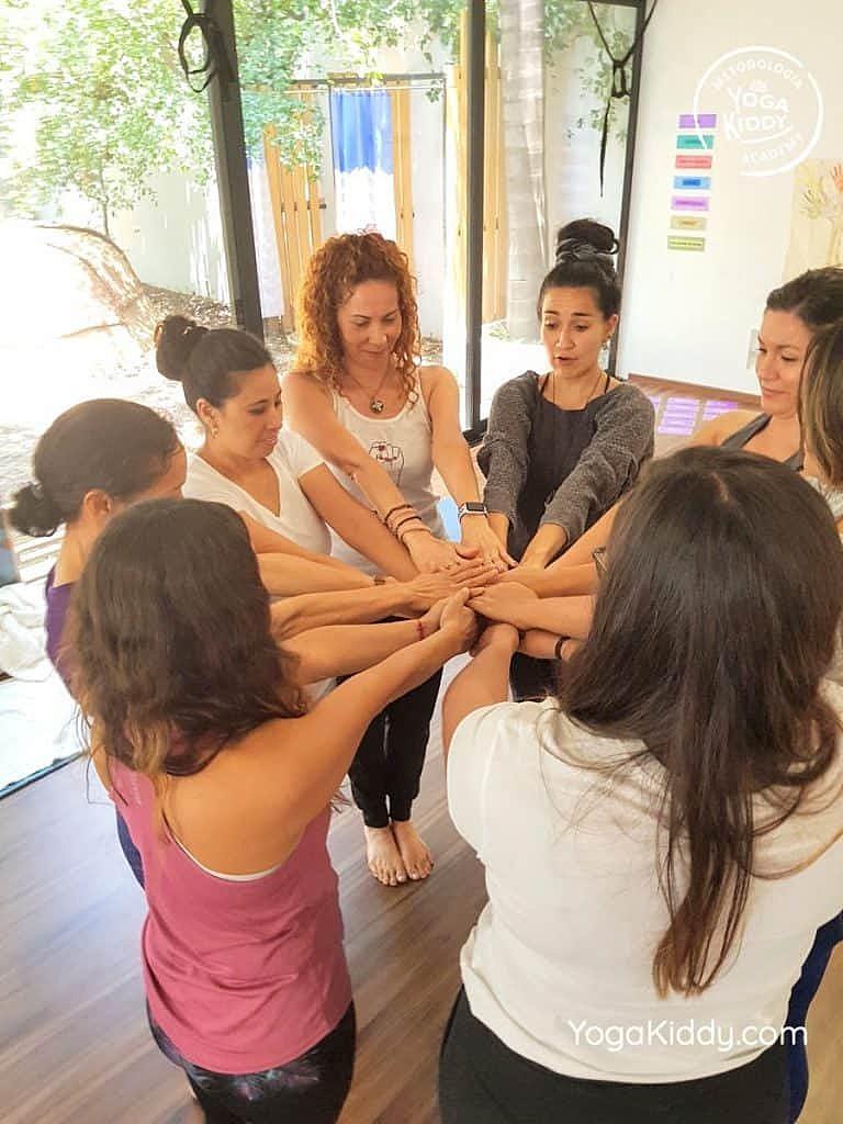 Formación-de-Yoga-para-Niños-en-Guadalajara-México-YogaKiddy-0103-768x1024