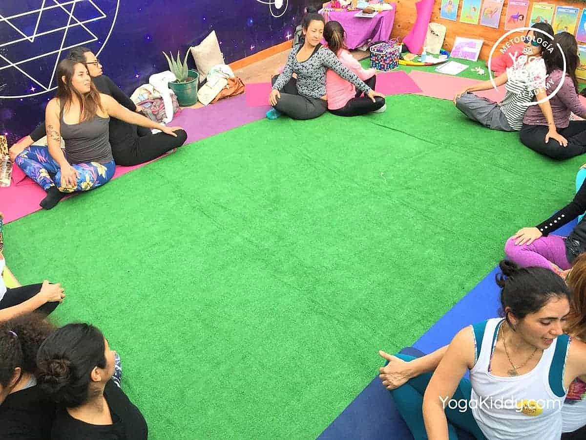 yoga-para-niños-arica-chile-formación-monitor-profesrorado-instructurado-YogaKiddy-0039