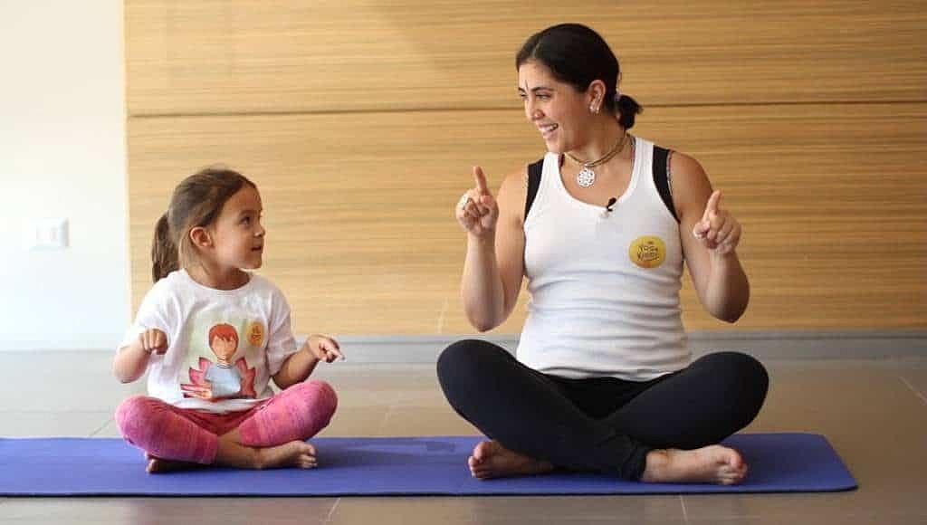 curso-de-yoga-infantil-yoga-para-ninos-en-linea-yogakiddy-14-1-1024x580