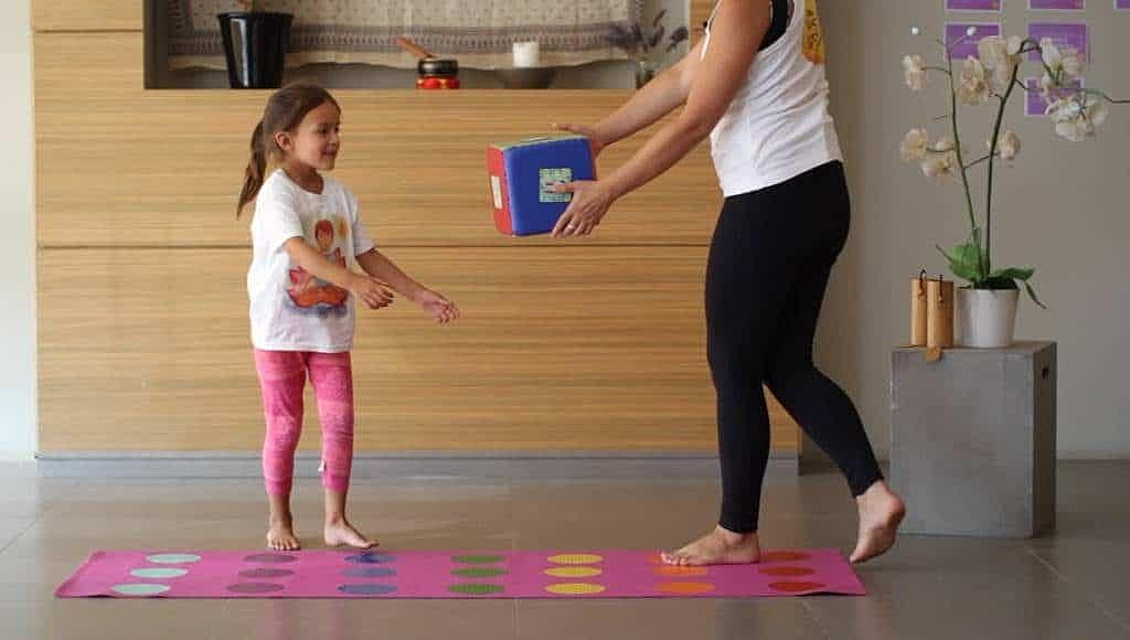 curso-de-yoga-infantil-yoga-para-ninos-en-linea-yogakiddy-7-1-1024x580
