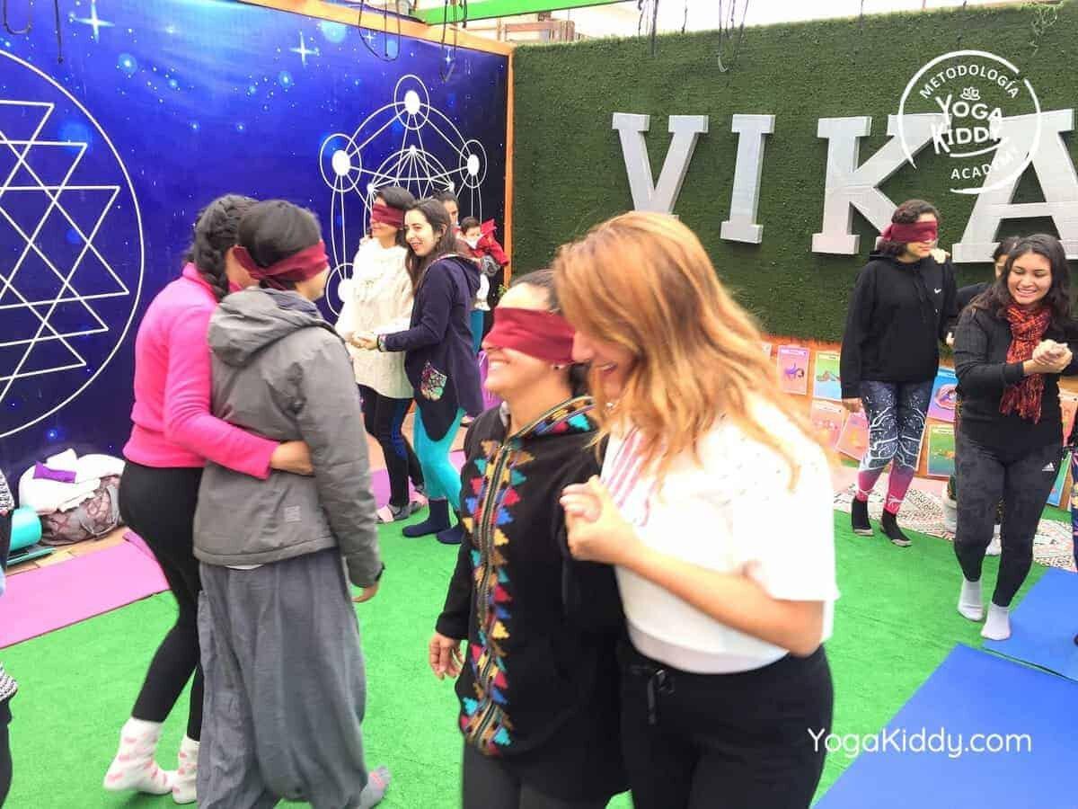 yoga-para-niños-arica-chile-formación-monitor-profesrorado-instructurado-YogaKiddy-0029