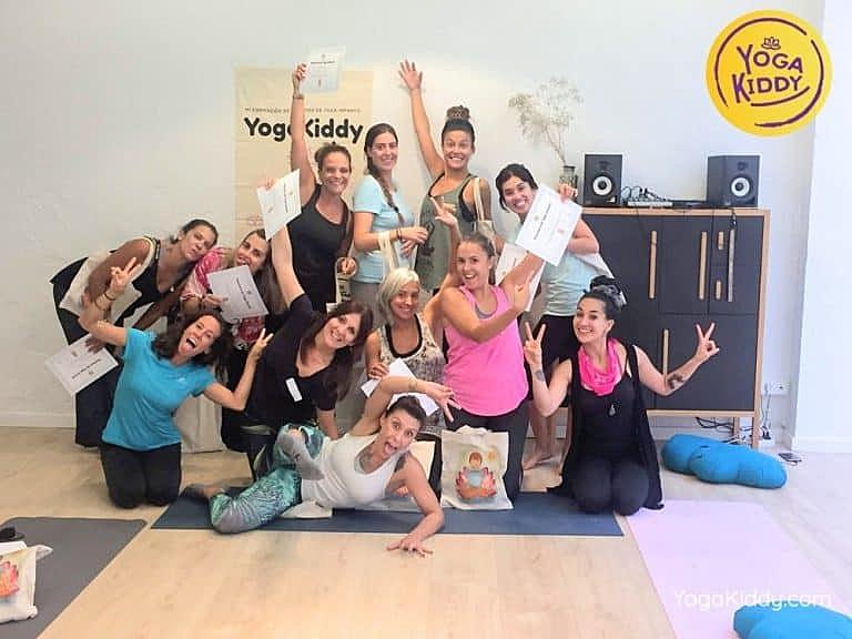 Yoga-para-niños-madrid-españa-Formación-Internacional-de-Monitor-de-Yoga-Infantil18-1-768x576
