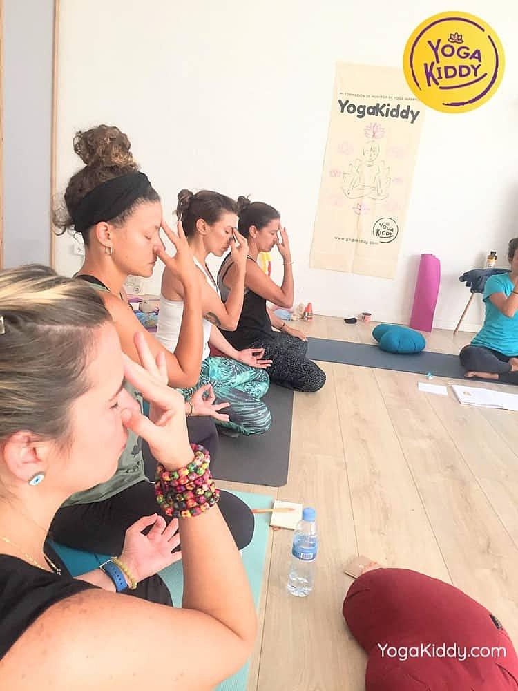Yoga-para-niños-madrid-españa-Formación-Internacional-de-Monitor-de-Yoga-Infantil14-1