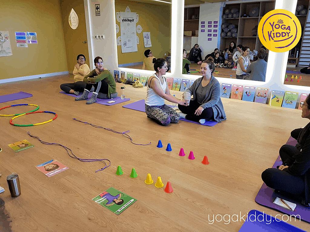 Yoga-para-niños-Lima-Perú-Formación-Internacional-de-Monitor-de-Yoga-Infantil-12-1-1024x768