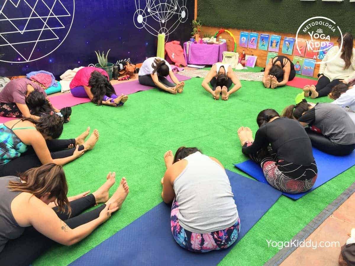 yoga-para-niños-arica-chile-formación-monitor-profesrorado-instructurado-YogaKiddy-0022