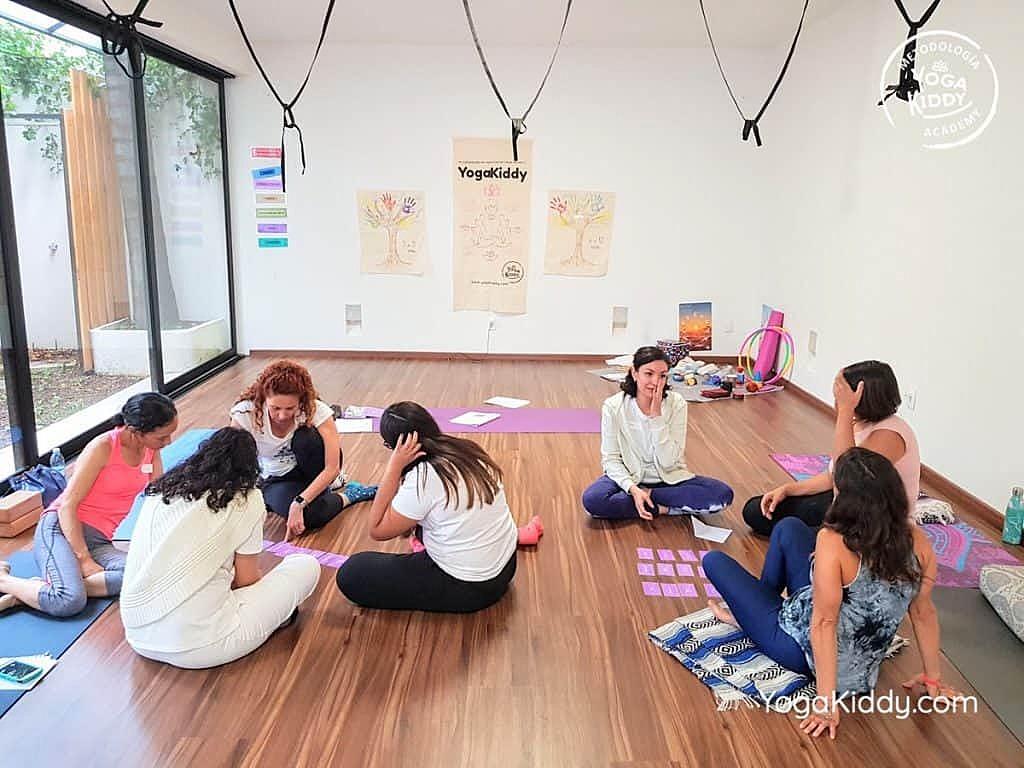 Formación-de-Yoga-para-Niños-en-Guadalajara-México-YogaKiddy-0063-1024x768