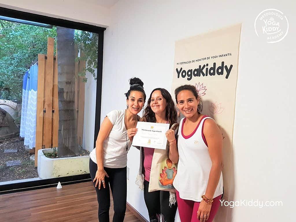 Formación-de-Yoga-para-Niños-en-Guadalajara-México-YogaKiddy-0156-1024x768