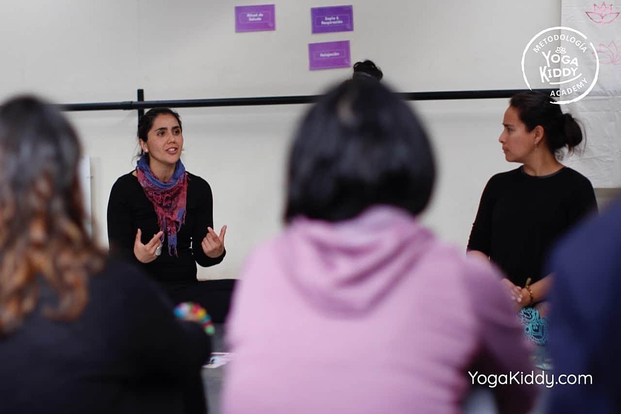 yoga-para-niños-formación-monitor-yoga-infantil-YogaKiddy-viña-del-mar-chile0025