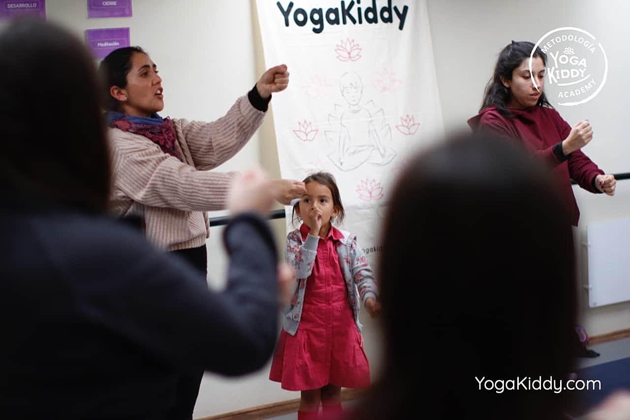 yoga-para-niños-formación-monitor-yoga-infantil-YogaKiddy-viña-del-mar-chile0027
