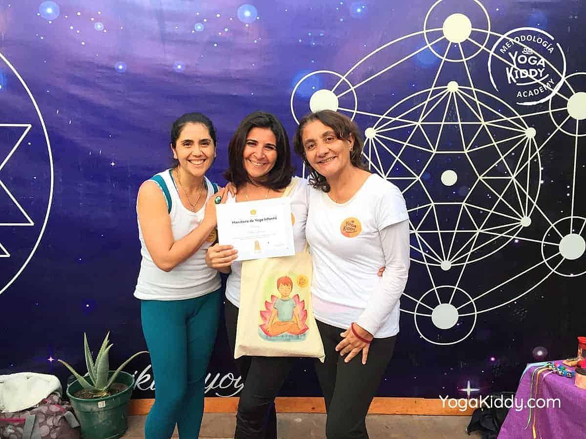 yoga-para-niños-arica-chile-formación-monitor-profesrorado-instructurado-YogaKiddy-0049