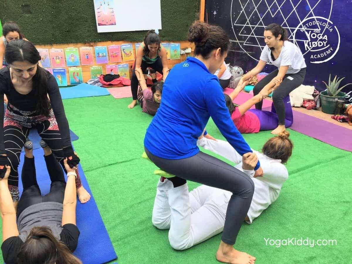 yoga-para-niños-arica-chile-formación-monitor-profesrorado-instructurado-YogaKiddy-0019