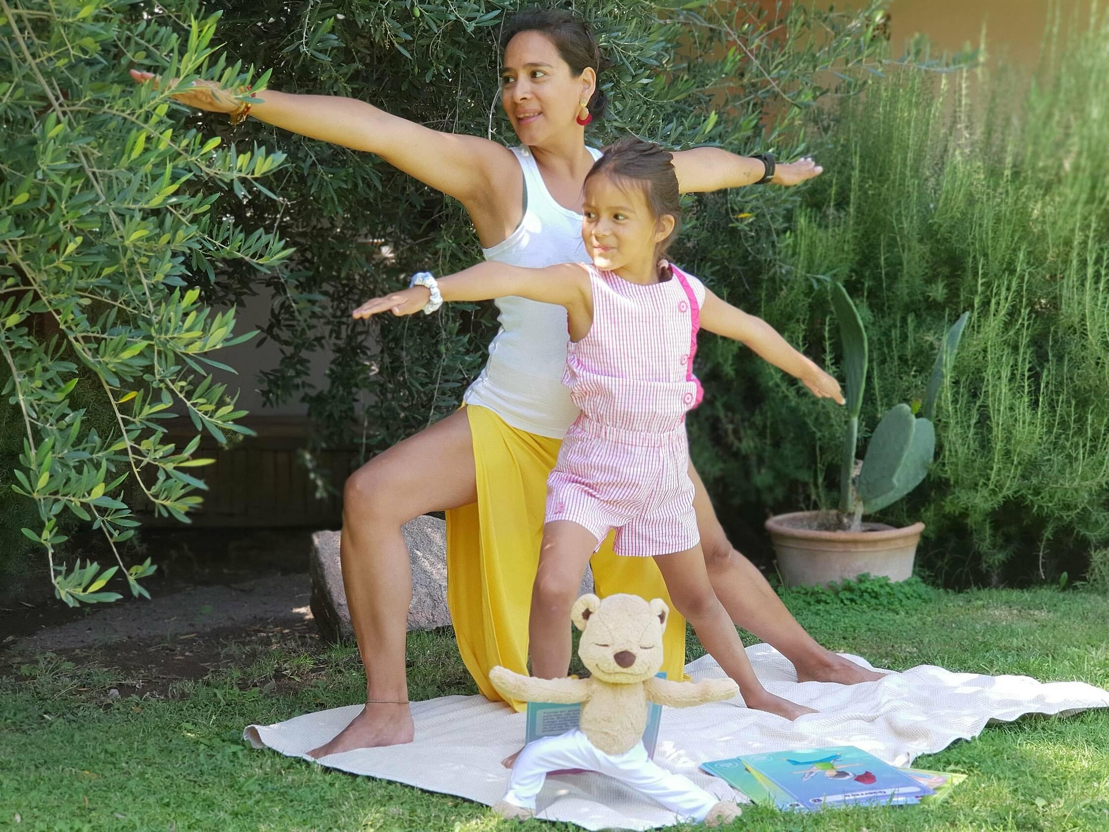 postura del guerrero yoga infantil