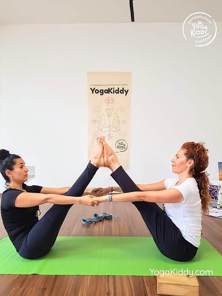 Formación-de-Yoga-para-Niños-en-Guadalajara-México-YogaKiddy-0034-768x1024