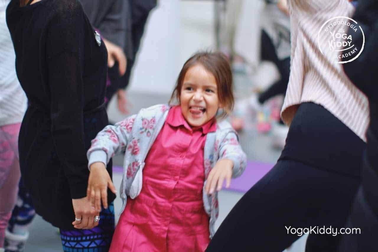 yoga-para-niños-formación-monitor-yoga-infantil-YogaKiddy-viña-del-mar-chile0068