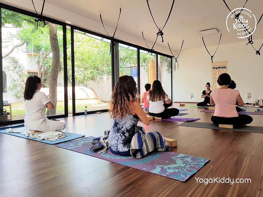 Formación-de-Yoga-para-Niños-en-Guadalajara-México-YogaKiddy-0052-1024x768