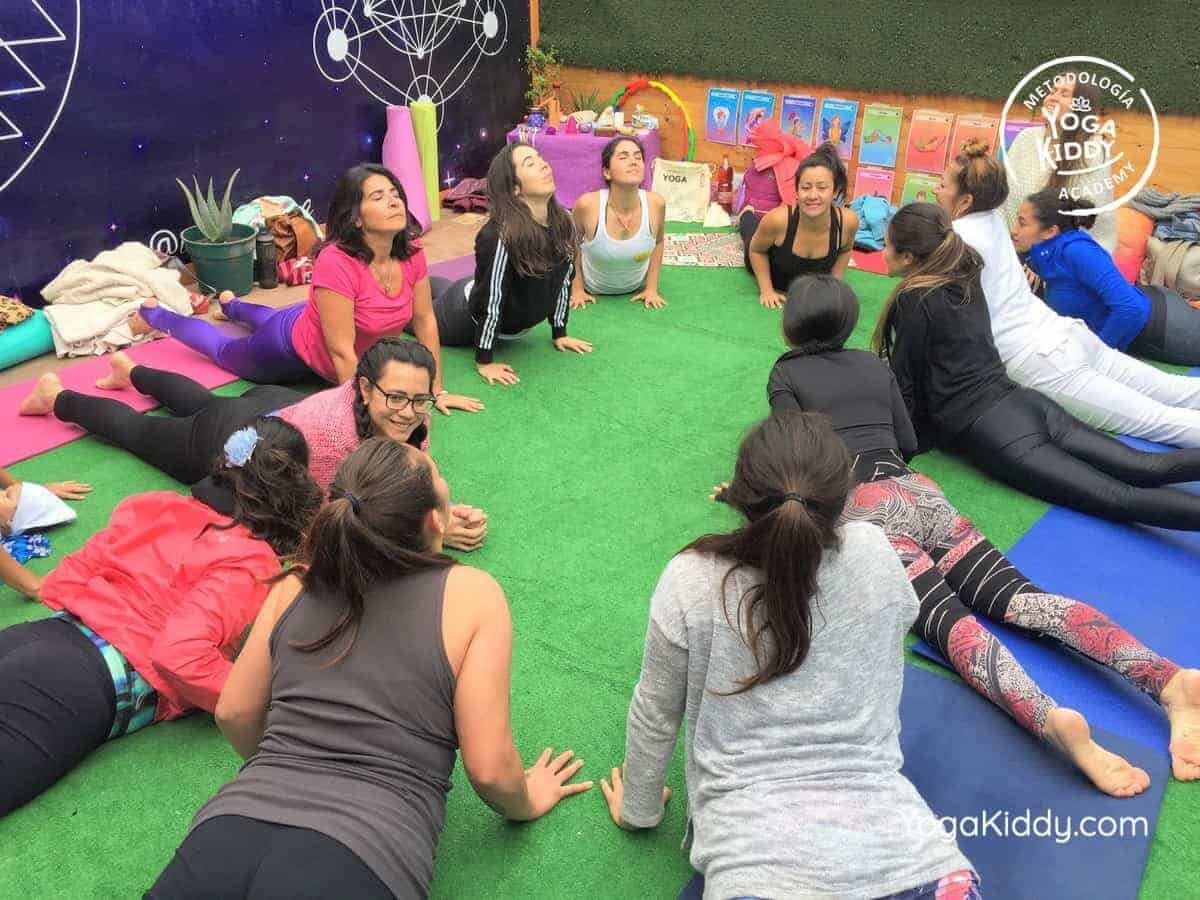 yoga-para-niños-arica-chile-formación-monitor-profesrorado-instructurado-YogaKiddy-0012