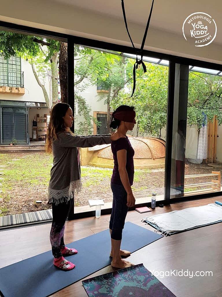 Formación-de-Yoga-para-Niños-en-Guadalajara-México-YogaKiddy-0075-768x1024