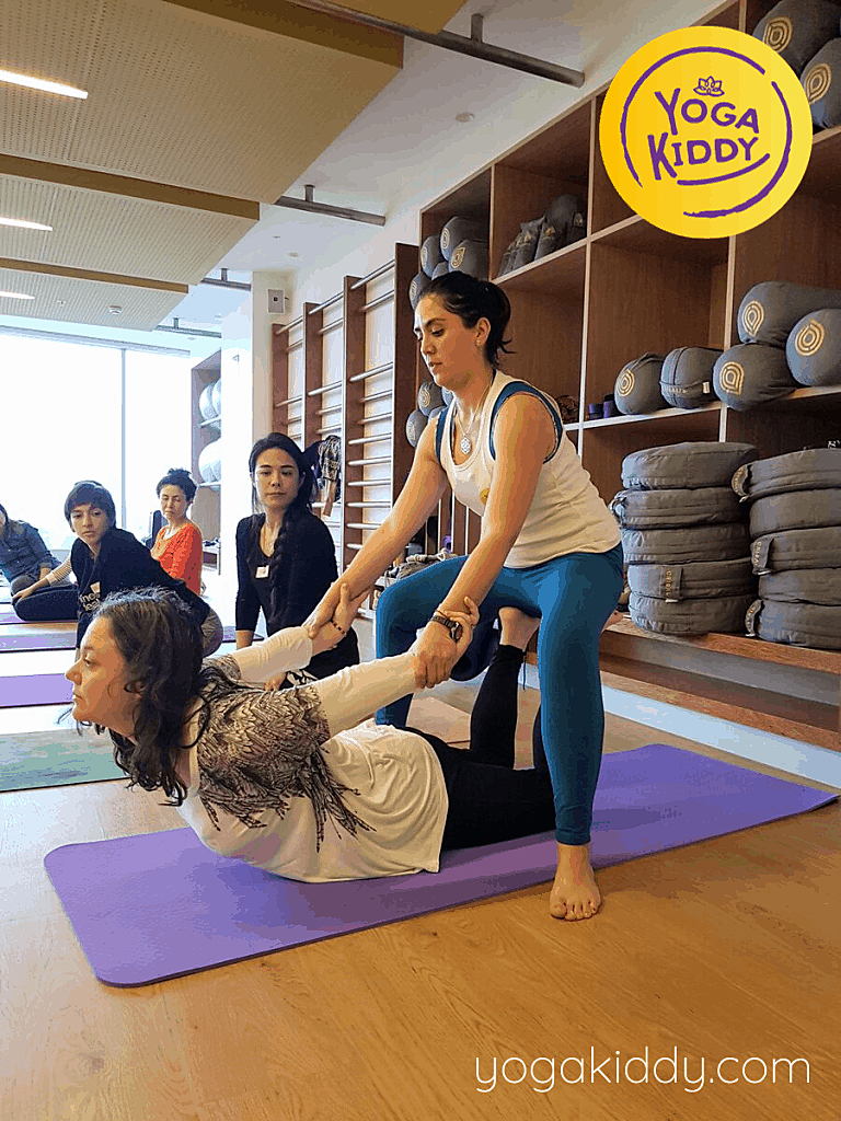 Yoga-para-niños-Lima-Perú-Formación-Internacional-de-Monitor-de-Yoga-Infantil-5-1-768x1024