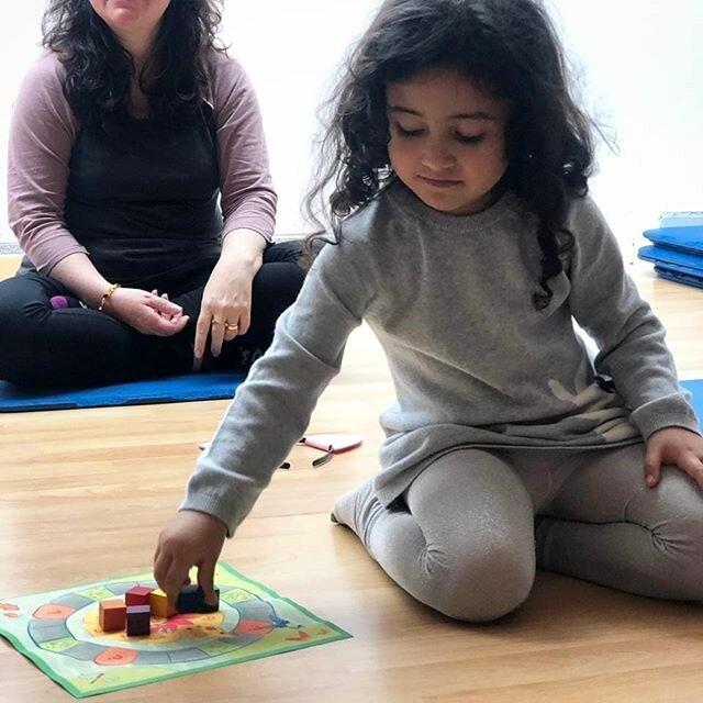Juego-de-Yoga-para-ninos-YogaKiddy-17