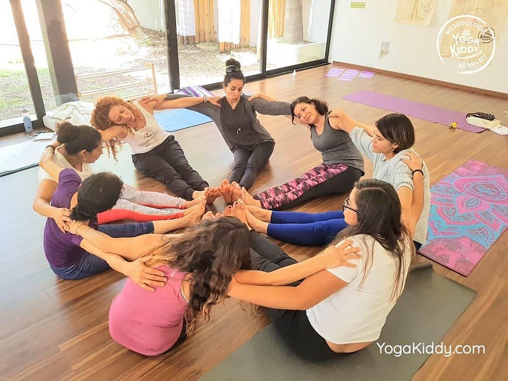 Formación-de-Yoga-para-Niños-en-Guadalajara-México-YogaKiddy-0110-1024x768