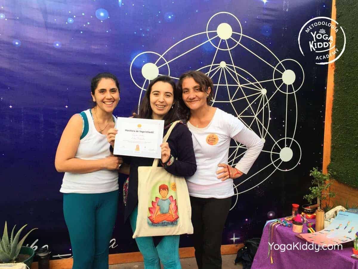 yoga-para-niños-arica-chile-formación-monitor-profesrorado-instructurado-YogaKiddy-0042