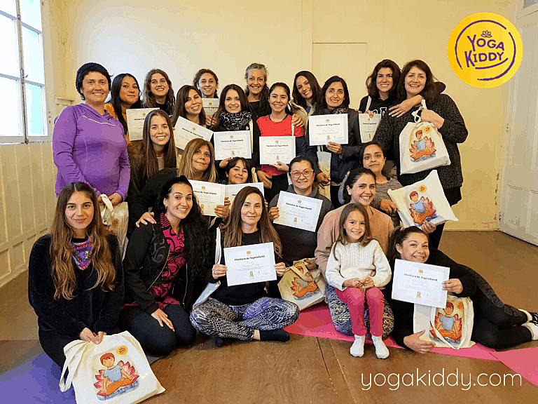 Yoga-para-niños-Viña-del-Mar-Formación-internacional-de-Monitor-de-Yoga-Infantil-10-768x576