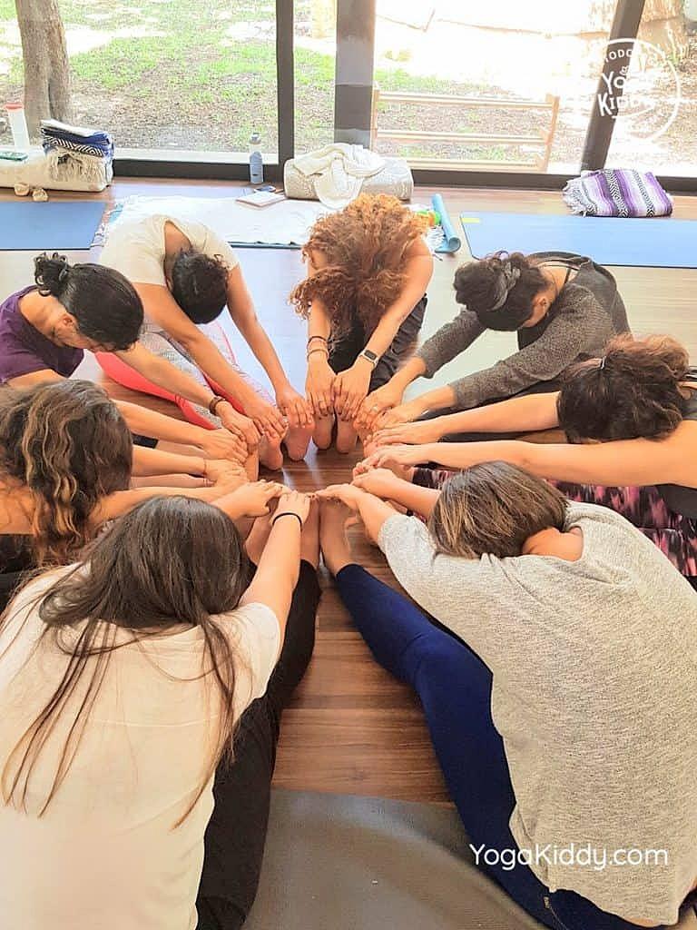 Formación-de-Yoga-para-Niños-en-Guadalajara-México-YogaKiddy-0112-768x1024