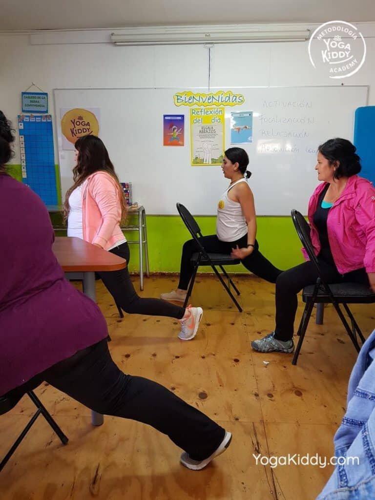 Formación-de-Yoga-en-el-aula-YogaKiddy-7-768x1024