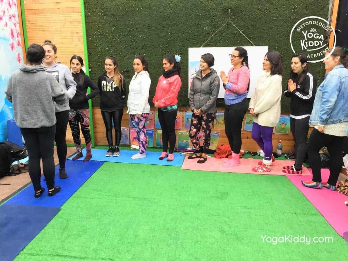 yoga-para-niños-arica-chile-formación-monitor-profesrorado-instructurado-YogaKiddy-0025