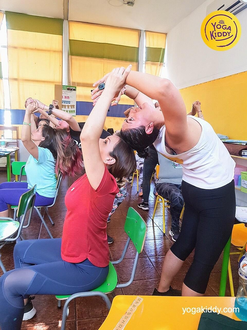yoga en el aula sala de clase yogakiddy 0011