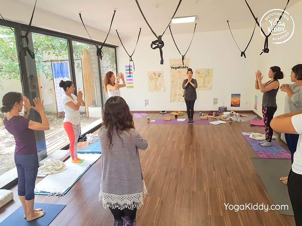 Formación-de-Yoga-para-Niños-en-Guadalajara-México-YogaKiddy-0100-1024x768