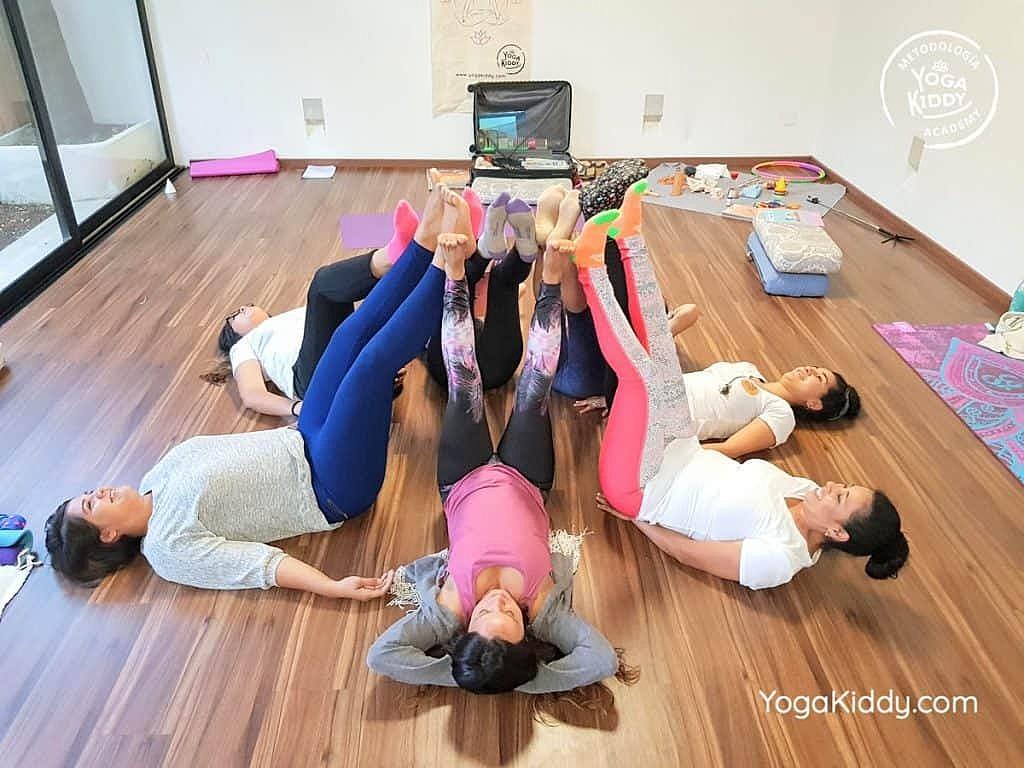 Formación-de-Yoga-para-Niños-en-Guadalajara-México-YogaKiddy-0143-1024x768