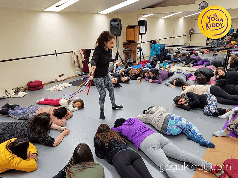 Yoga-para-niños-Viña-del-Mar-Formación-internacional-de-Monitor-de-Yoga-Infantil-4-768x576