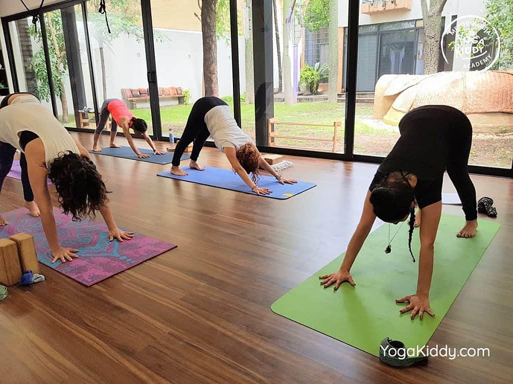 Formación-de-Yoga-para-Niños-en-Guadalajara-México-YogaKiddy-0015-1024x768