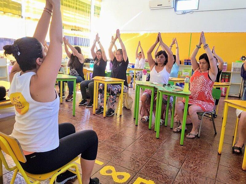 registro formación yoga en el aula presencial