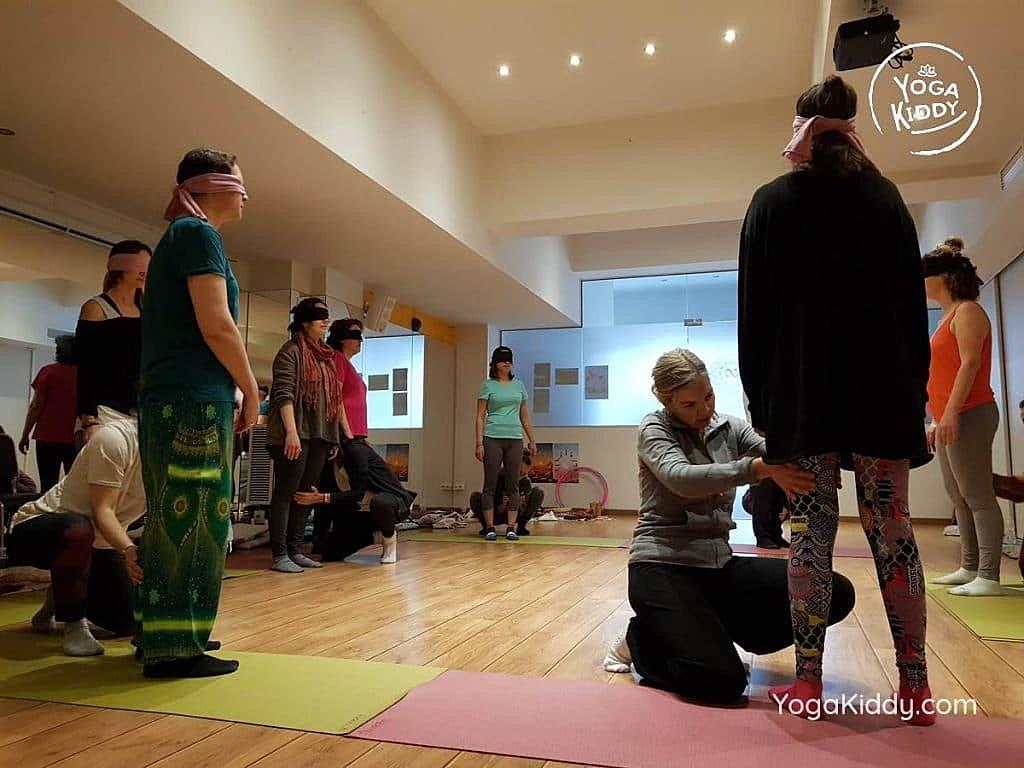 yoga-para-niños-barcelona-espana-formación-monitor-instructurado-profesor-yoga-infantil-yogakiddy_37-1024x768