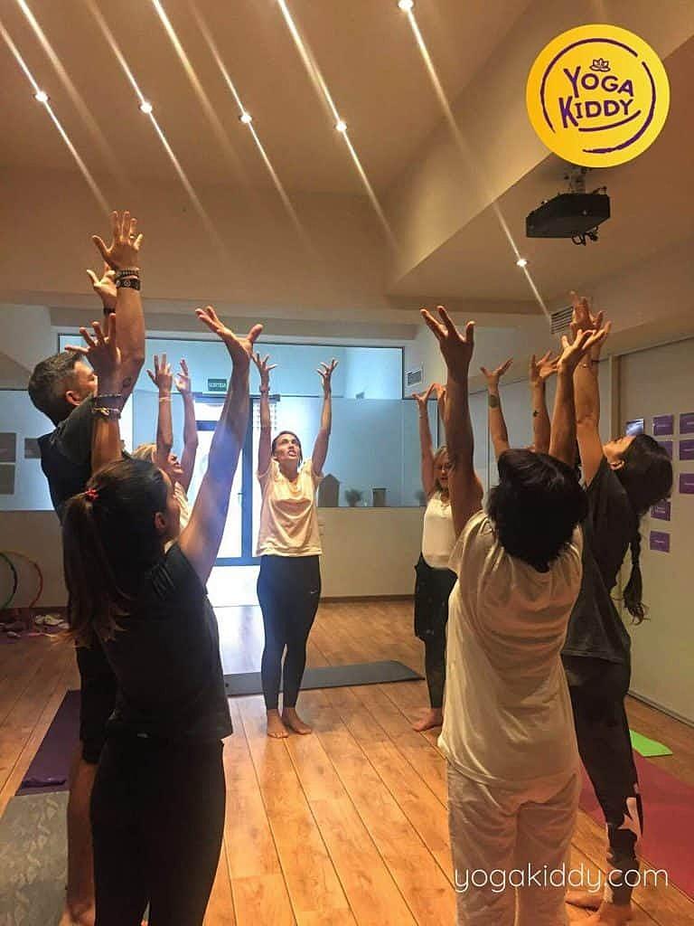 Yoga-para-niños-barcelona-españa-Formación-Internacional-de-Monitor-de-Yoga-Infantil-10-768x1024