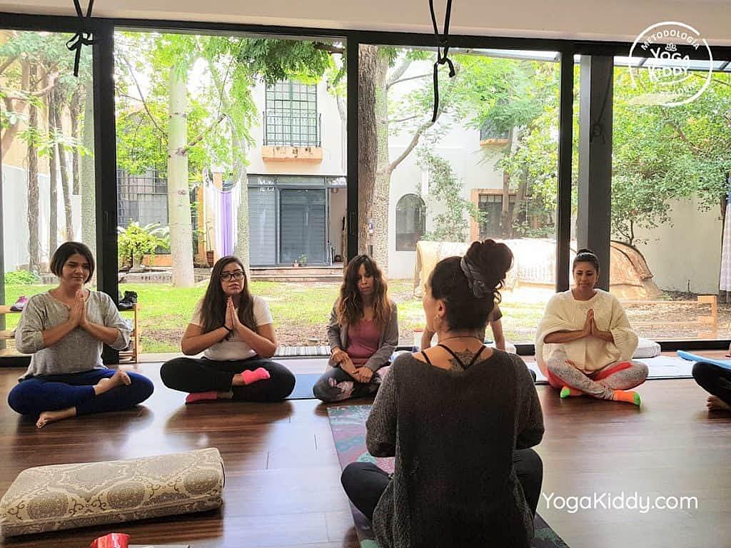 Formación-de-Yoga-para-Niños-en-Guadalajara-México-YogaKiddy-0098-1024x768