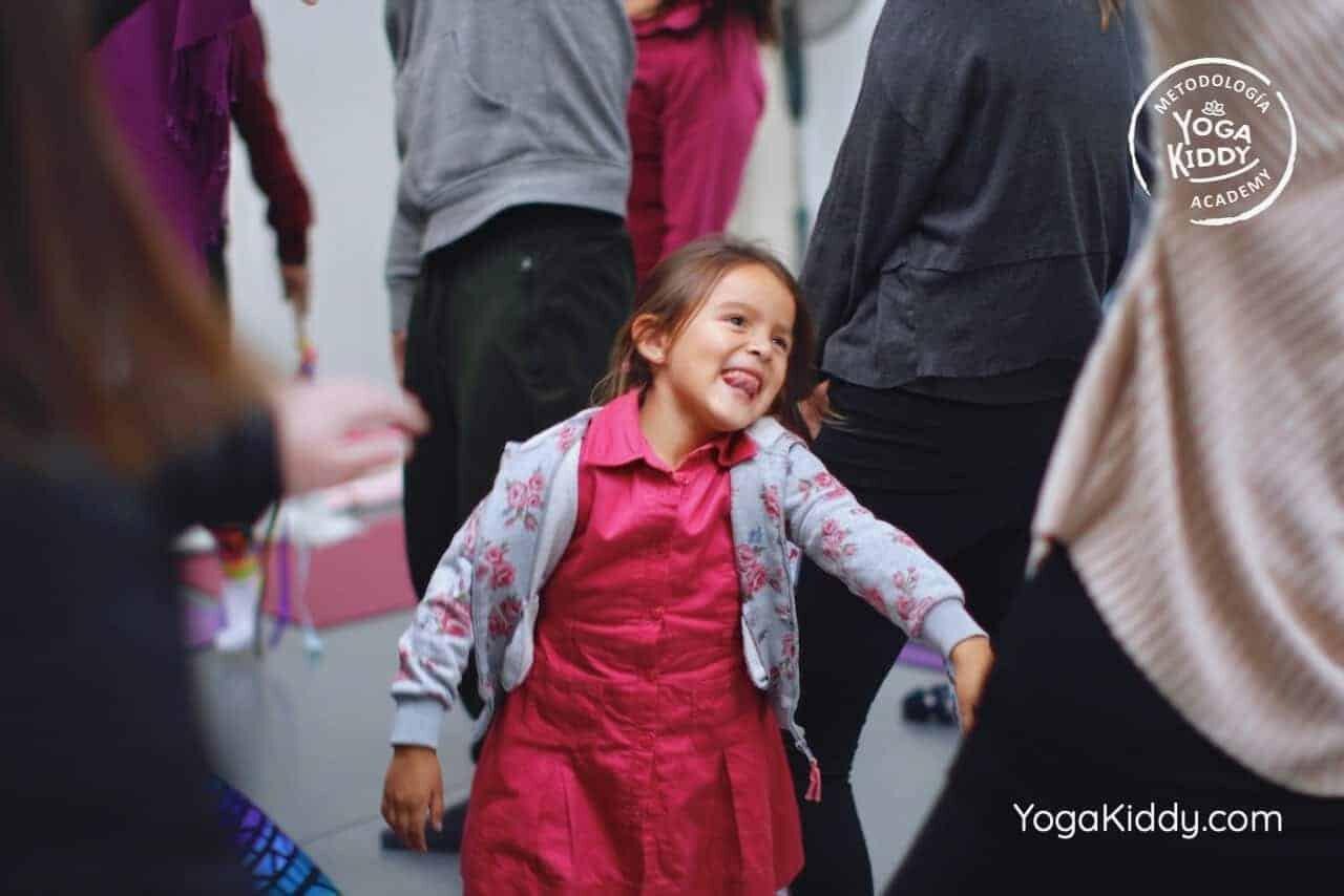 yoga-para-niños-formación-monitor-yoga-infantil-YogaKiddy-viña-del-mar-chile0067